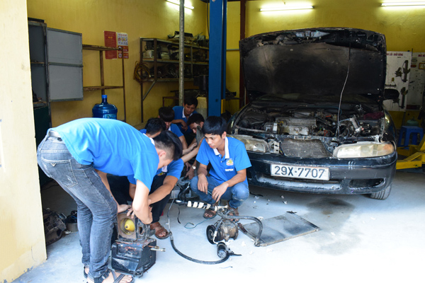 dạy nghề sửa chữa ô tô 2017