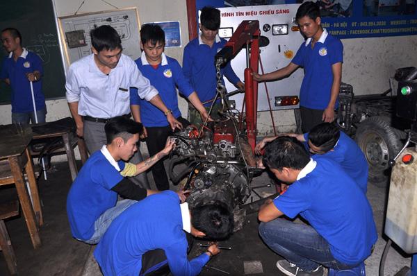 dạy nghề sửa chữa ô tô
