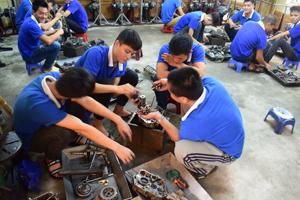 Sửa chữa xe máy có phải là nghề hot ?