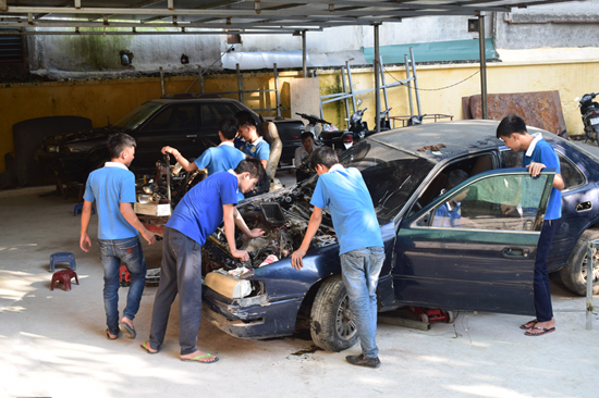 Học sửa chữa ô tô tổng hợp