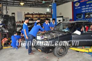 Sửa chữa ô tô là nghề đang khát nhân lực